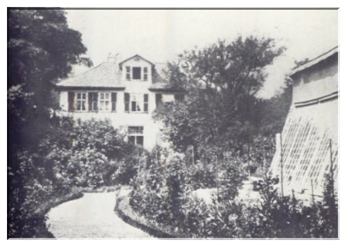 Dieses Haus erwarb Spohr 1823 vor dem Kölnischen Tor in Kassel. Im Garten widmete er sich der Rosenzucht